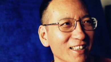Photo of Dunia Internasional Kritik Perlakuan Cina Terhadap Pegiat HAM yang Wafat