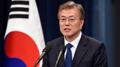 Photo of Salut, Peduli Wabah Virus Corona Presiden dan Menteri Korea Selatan Kembalikan 30 Persen Gaji
