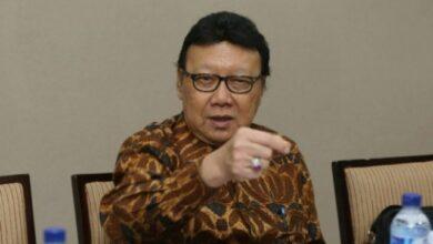 Photo of TB Hasanuddin Tuding Tjahjo Kumolo Sebarkan Hoaks Gaji DPR Rp267 Juta