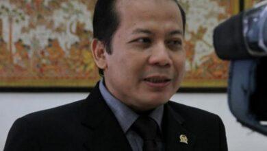 Photo of Dicegah Keluar Negeri, Wakil Ketua DPR Taufik Kurniawan Sebentar Lagi Tersangka??
