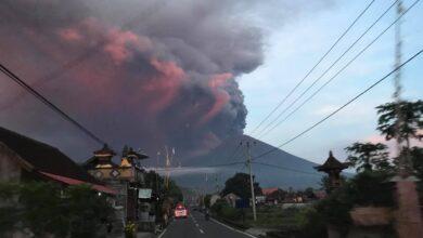 Photo of Gunung Agung Meletus, Tinggi Abu Hingga 4.000 Meter Mengarah Lombok