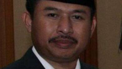 Photo of Ketua DPRD Kota Batam Mengadakan Rapat Tertutup Dengan Pengurus Taksi Online