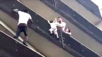 Photo of 'Spiderman' Muslim Ini Dielu-elu Warga Paris Bagaikan Pahlawan Usai Selamatkan Bocah dari Lantai 4