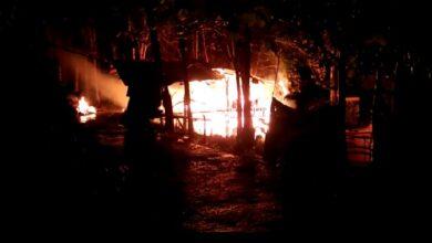 Photo of Lagi-lagi rumah diduga dibakar OTK di area wisata Cipogas