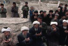 Photo of Sebuah Dokumen Ungkap Bagaimana China Kelola Kamp Penahanan Etnis Muslim di Xinjiang