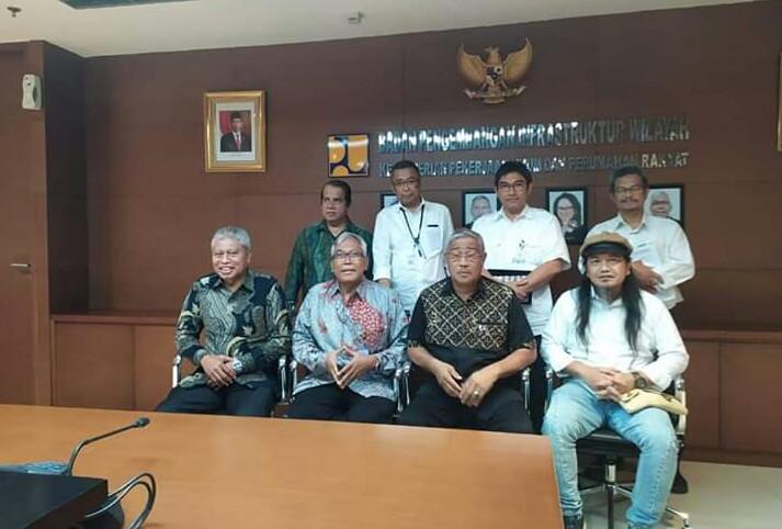 Photo of Kajian dan Analisa Pembangunan Jembatan Timadore Maluku Utara Harus di Percepat