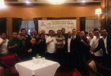 "Photo of Pecahnya Organisasi Besar Peradi, Advokat Senior Ini Serukan ""Mari Kita Bersatu Lagi"""