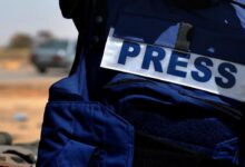 Photo of Ironi menjadi Wartawan: Menjawab Kemarahan Para Polisi Moral di Media Sosial