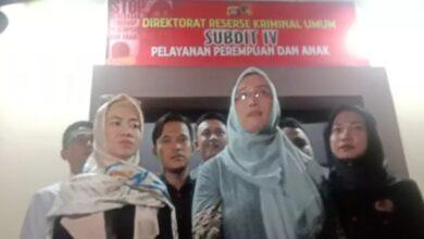 Photo of Oknum Dosen Bejat di Gorontalo Paksa Istri Berhubungan Intim dengan Pria Lain