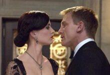Photo of Saat Para Wanita Cantik Memberikan Servis di Film James Bond