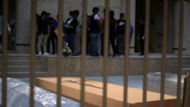 Photo of Ekuador Kerahkan Para Napi Buat Peti Mati Korban Covid-19