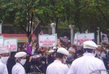Photo of Melalui Pesan Suara, Rizieq Shihab Meminta DPR, DPD, MPR Segera Makzulkan Jokowi