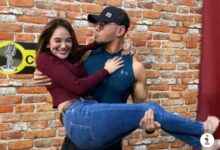 Photo of Deddy Corbuzier Gendong Mesra Hana Hanifah, Netizen: Lock the Door