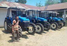 Photo of Kementan RI Bantu 37 Alat Mesin Pertanian untuk Petani Perbatasan NTT