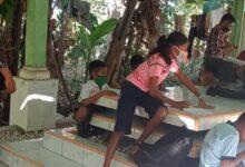 Photo of Tak Ada Online, Sekolah di Kuburan pun Kami Sudah Senang