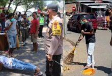 Photo of Langgar Protokol Kesehatan, Ratusan Warga Dihukum Push Up dan Bersihkan Sampah