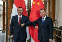 Photo of Menko Luhut Bertemu Menlu China Bahas Sejumlah Kerja Sama Bilateral Antar Kedua Negara