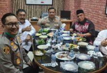 Photo of 2 Jenderal Polisi Tersangka Kasus Djoko Tjandra Diberi Jamuan Makan Siang Oleh Kejari Jaksel