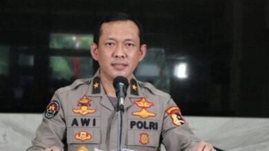 Photo of Polisi: Pria yang Pakai Almamater Itu Mahasiswa Bukan Perwira