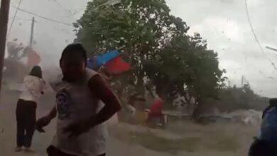 Photo of Detik-detik Saat Angin Puting Beliung Terjang Wilayah Babelan Bekasi