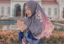 Photo of Ria Ricis Tampil Anggun dengan Dress dan Hijab Pink, Netizen: Masyallah Bidadari Surga Cantik Banget
